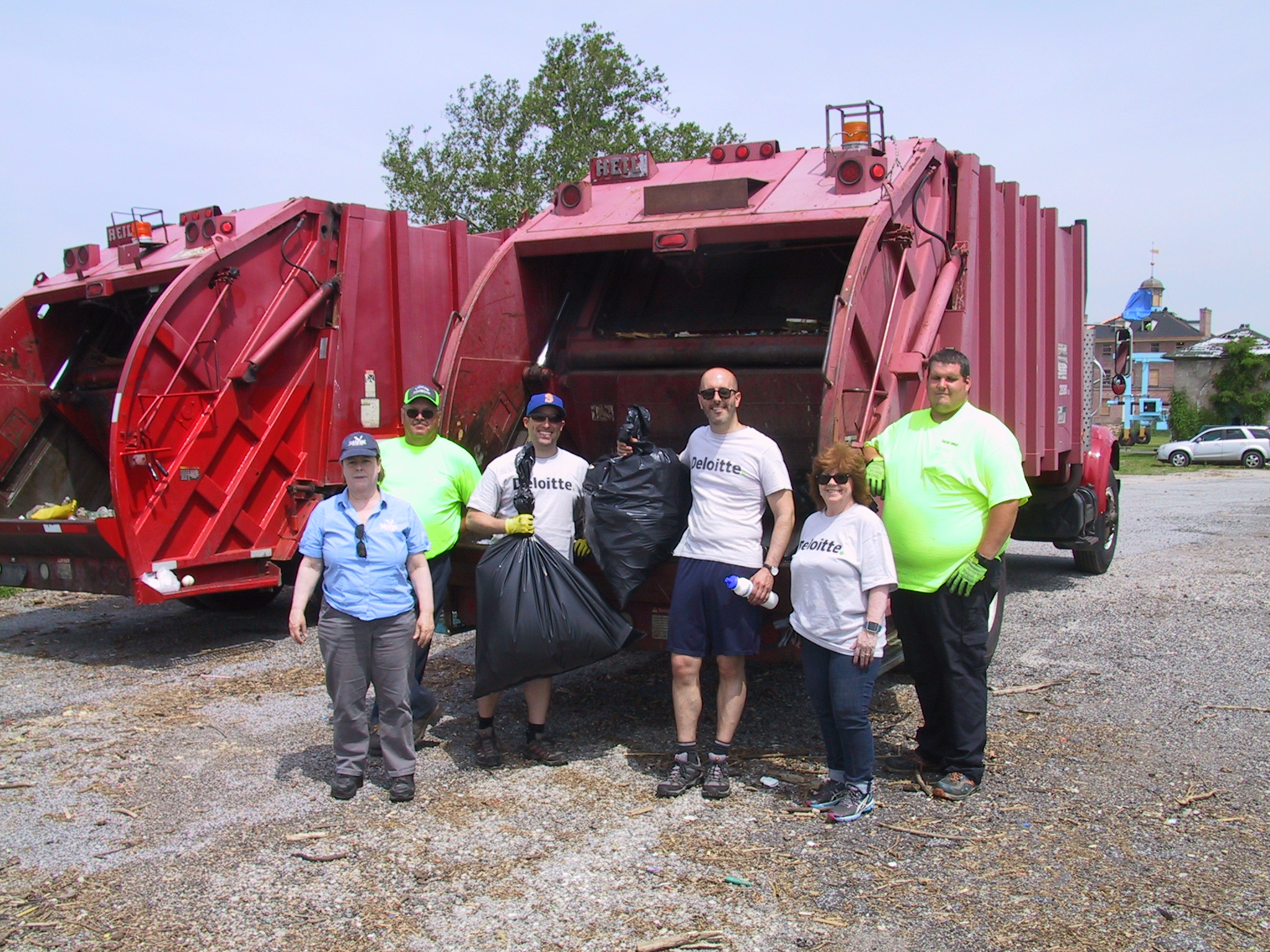 Staff from Tinicum Township (green shirts), Deloitte, and Sea Grant (far left) loaded trash and recyclables collected from Little Tinicum Island.  Many thanks to all who made Friday's Little Tinicum Island clean-up so successful!