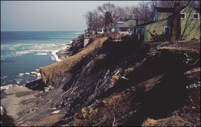 house sits on edge of cliff